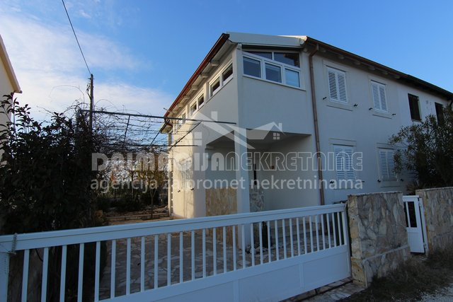 House, 170 m2, For Sale, Privlaka