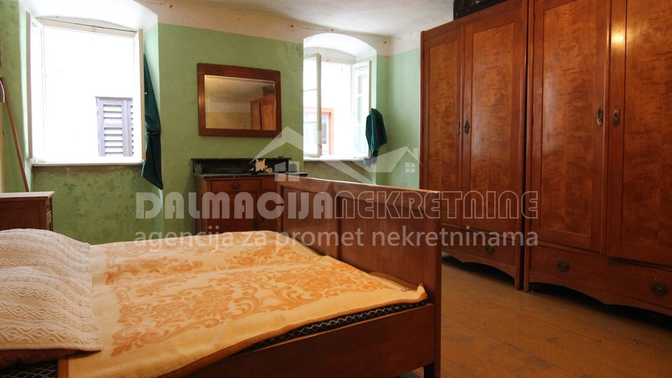 House, 170 m2, For Sale, Karlobag