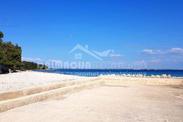 Vir, građevinsko zemljište blizu mora