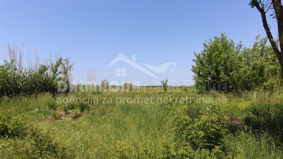 Land, 2213 m2, For Sale, Privlaka