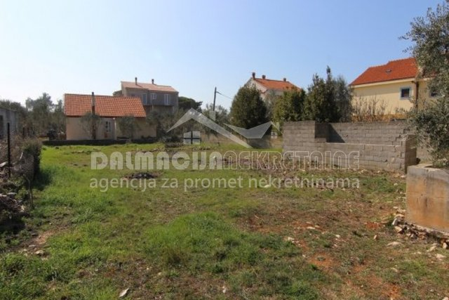 Land, 700 m2, For Sale, Privlaka